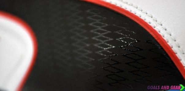 puma king 2013 gloss form stripe lines
